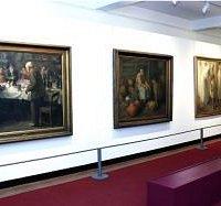 Interior do Museu Carlos Reis - Obras do Pintor Carlos Reis