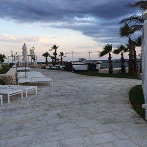 L'Isola Beach Club