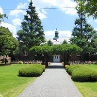 Der Eingangsbereich zum ursprünglichen Campus