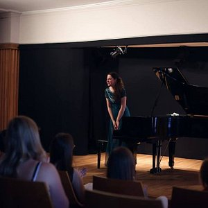 The young pianist Maria from Spain