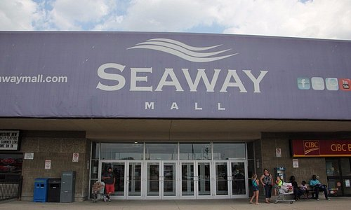 The main entrance to the Seaway Mall