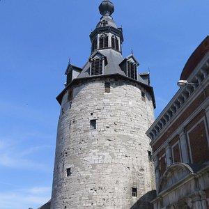 Средневековая оборонительная башня