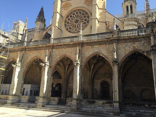 La Catedral, desde el Claustro
