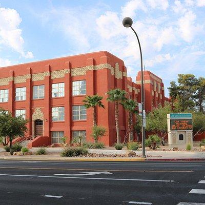 Academia de Estudos Internacionais , Visuais e Artes de Las Vegas