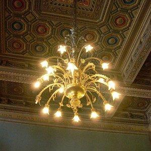 lampadario aula magna