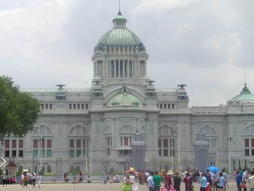 People stroll the Royal Plaza in front of Dusit Palace
