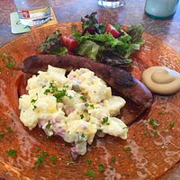 Thüringer mit Kartoffelsalat Black Cat Style