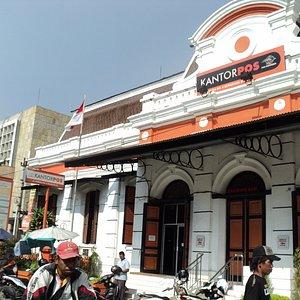 Kantor Pos Lama Semarang & produk/jasa yang dijual