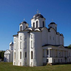 Николо-Дворищенский собор, центральный храм Дворища