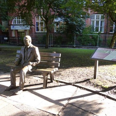 Alan Turing in the park