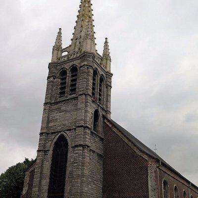Готическая башня церкви