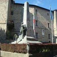 Il monumento ai Caduti di Pianello V.T. (1926)