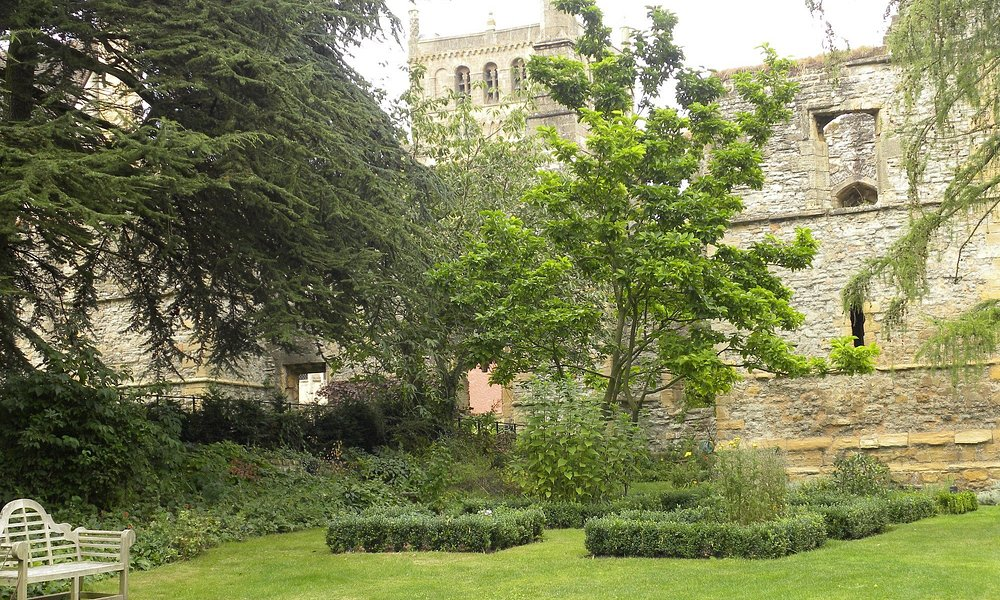Herbaceous border, Archbishops Palace, Southwell