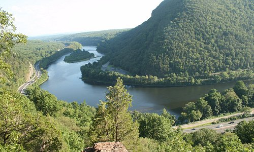 Scenic view from the hiking trail (red dot) in Delaware Water Gate