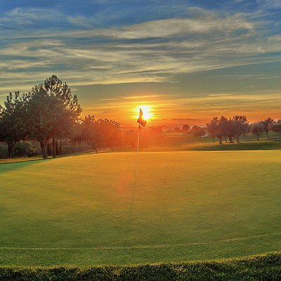Green 8, Sunset Son Gual