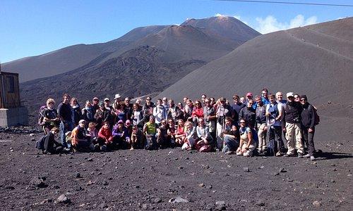 Etna - Turisti in Escursione ai Crateri Sommitali