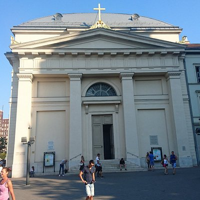 Budapest - Deák téri evangélikus templom - view from Deák tér