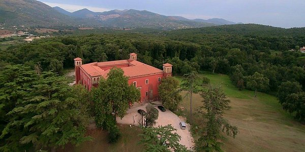 Panoramica sul Castello e sul suo parco.