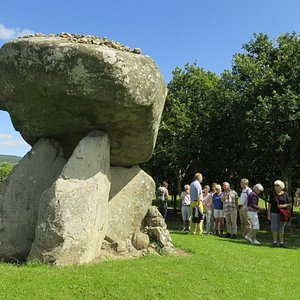 Our Guide, Cliff Wayenberg, told us about the stones.