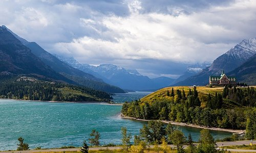 Waterton Lake & Prince of Wales Hotel