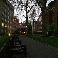 Mount Street Gardens at dusk - May 2, 2016