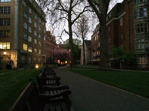 Mount Street Gardens at dusk - May 2, 2016
