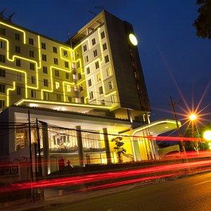 Yello Hotel