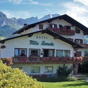 Vista hotel dal parcheggio