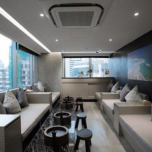 Exclusive area in a convenient location for a relaxing bespoke journey!