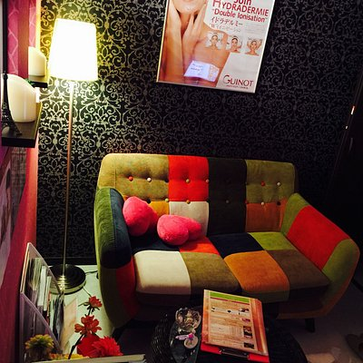Julia Beauty Salon - first and only bilingual ( English - Spanish -Japanese)  wax  beauty salon