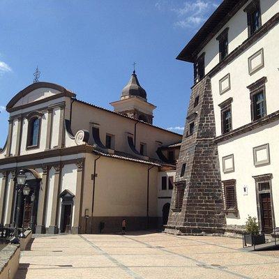 Gradoli, S.Maria Maddalena e Palazzo Farnese
