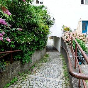 арка-вход в Квартал ведьм со стороны Hofgraben