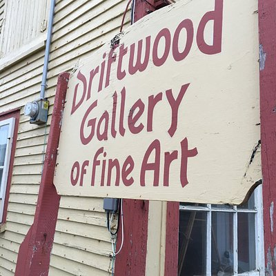 Ted Stuckless Fine Arts & Driftwood Gallery
