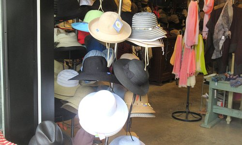 Roxann's Hats, Fort Langley, BC