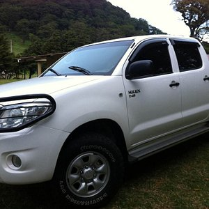 Pick your vehicle- Option #2 4WD Toyota Hilux
