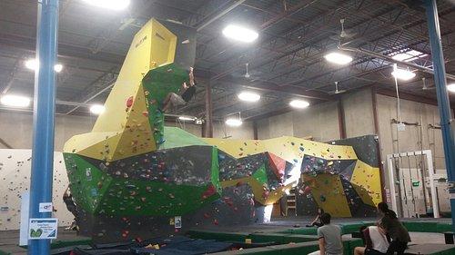 Hub Climbing Fitness and Yoga