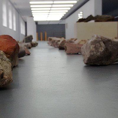 135 Steine in einem Koordinatensystem angeordnet