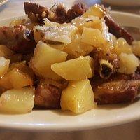 Maiale arrosto con patate