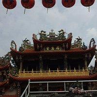 宮廟前照片