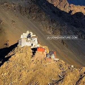 Monastery above Leh (Namgyal Tsemo)