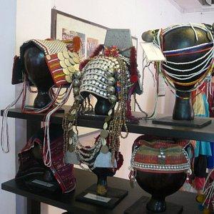Les coiffes des divers tribus