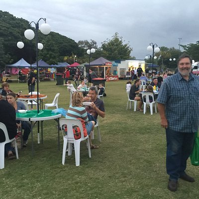 Moonlight Markets in the early evening
