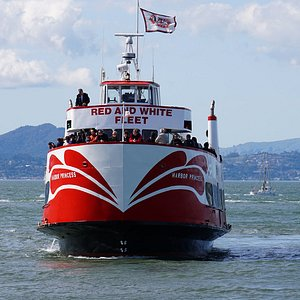 """Red and White Fleet's """"Harbor Princess"""" returns to Pier 43 1/2"""
