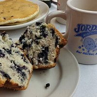 Blueberry pancakes & muffin