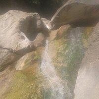 ho scattato questa foto nel punto più alto raggiungibile della cascata del fiume Serra