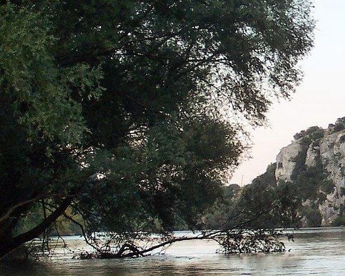 Kurz vor Toxotes, fließt der Fluß Nestos ruhig.