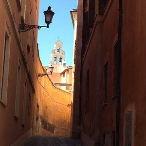 Magnifique ruelle haute en couleur !