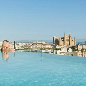 Swimming Pool - Views - Infinity Pool