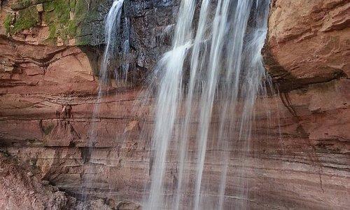 Водопад сбоку