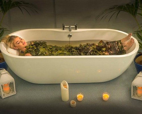 The Sea Haven Therapy Seaweed Bath Experience